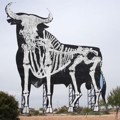 skull-bull-street-art-sam3